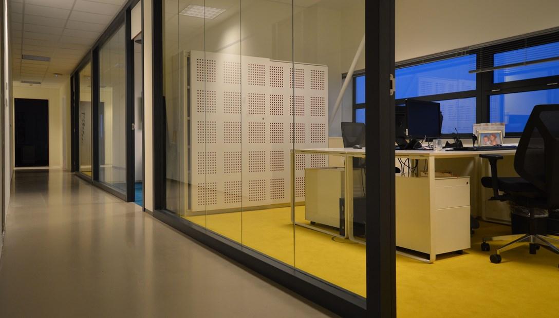 Circulair bouwen hergebruik kozijnen Heembouw kantoor