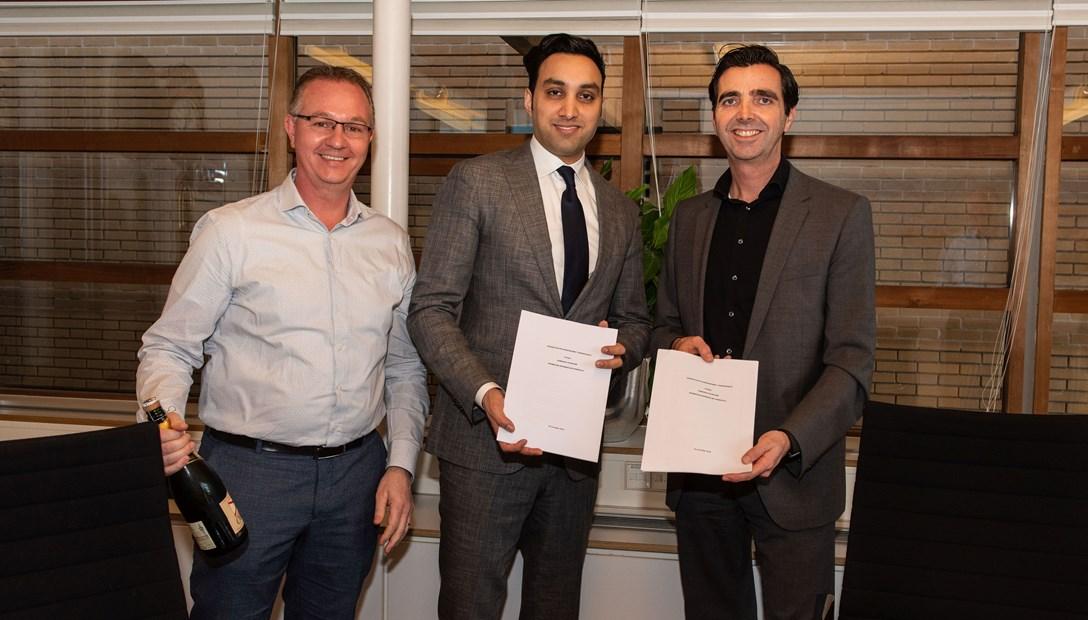 Contractondertekening gronduitgifte Toernooiveldlocatie Schiedam