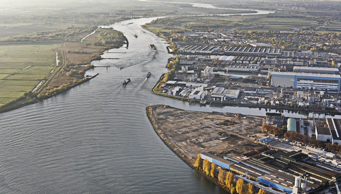 Nieuw bedrijfspand bouwen bestaande grond panden
