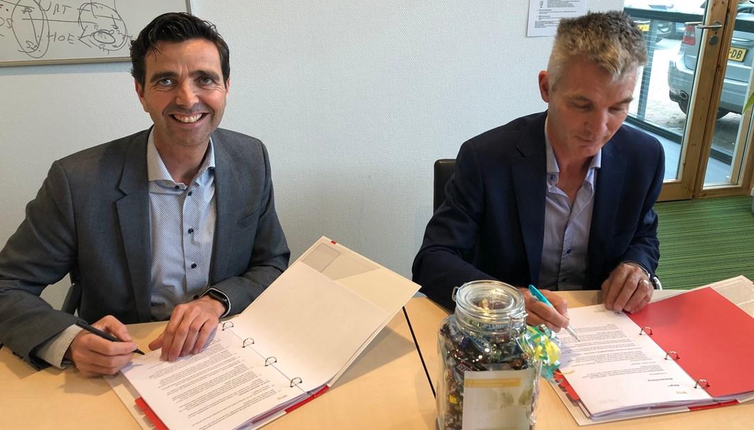 Ondertekening overeenkomst Sint Eloystraat Schoonhoven QuaWonen 62 woningen