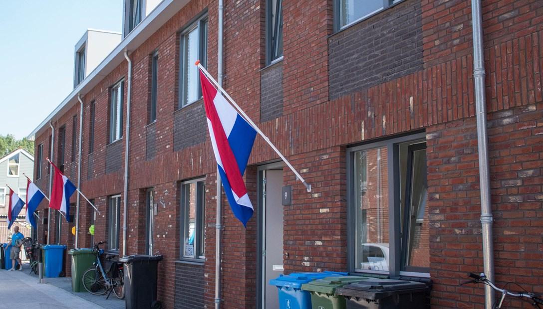 woningen-de-marlot-opgeleverd-vlaggen